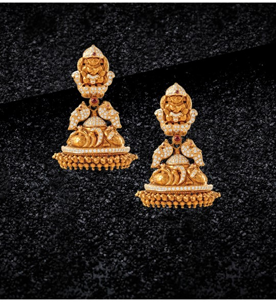 Yellow gold Diamond jhumka earrings