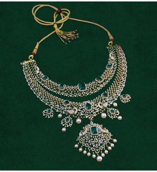 Diamond Emerald and Southsea pearls Necklace