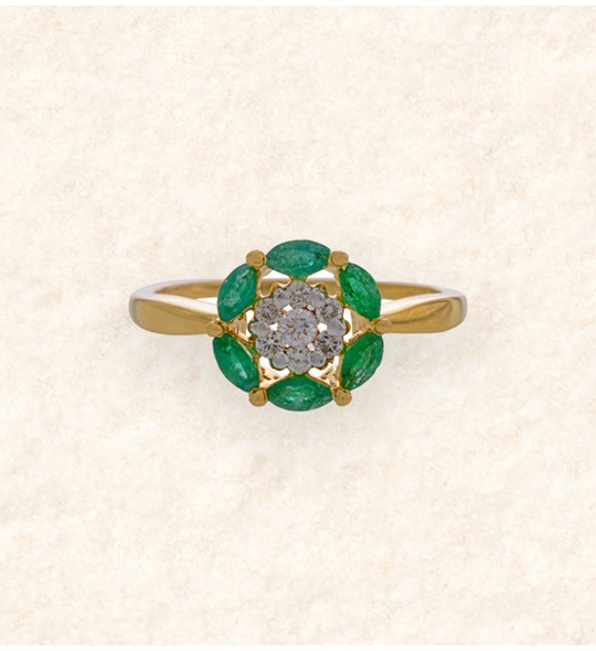 Emerald and Diamonds Floral Finger ring
