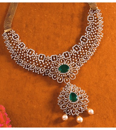 Diamond Emerald Necklace With pearl