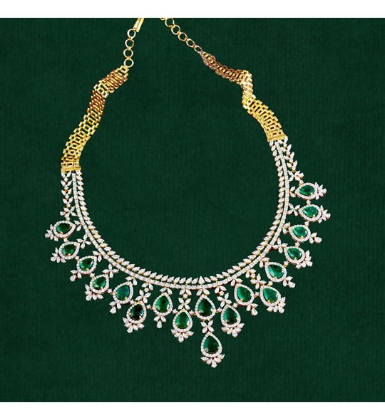 Diamond Emerald Necklace In Yellow Gold