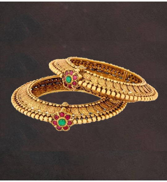 Yellow gold antique bangles